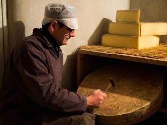 beaufils_cheese_maker