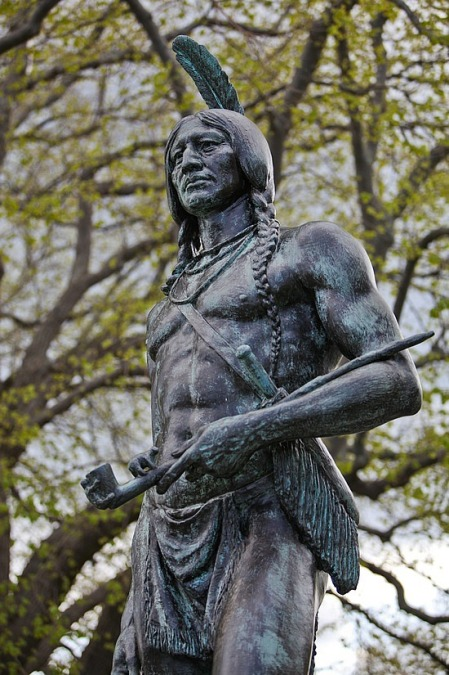 1.1274283250.statue-of-massasoit