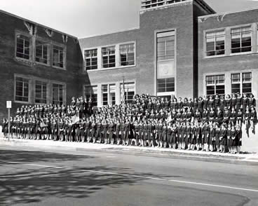 StMarysAcademy1stdayinnewbuilding1940