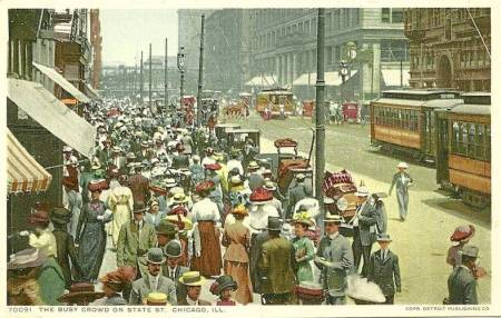 postcard-chicago-state-street-looking-north-from-near-washington-huge-crowd-marshall-fields-completed-c1910