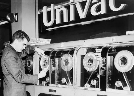 univac-was-the-first-computer-designed-everett