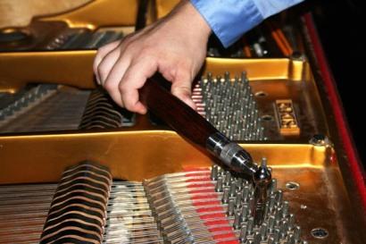 piano-tuning16