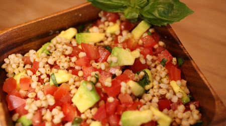 Tomatoe-and-Avocado-Salad-with-Wholegrain-Recipe