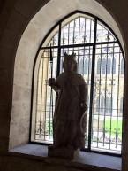 Statues 2-2