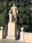 Statues 4-10