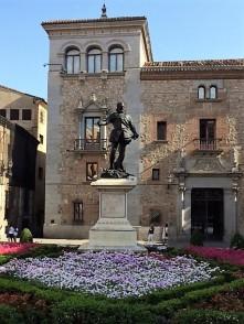 Statues 6-2